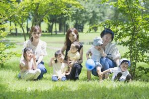 子どもの目がキラキラ輝く、親子で虫活クラブ・活動イメージ